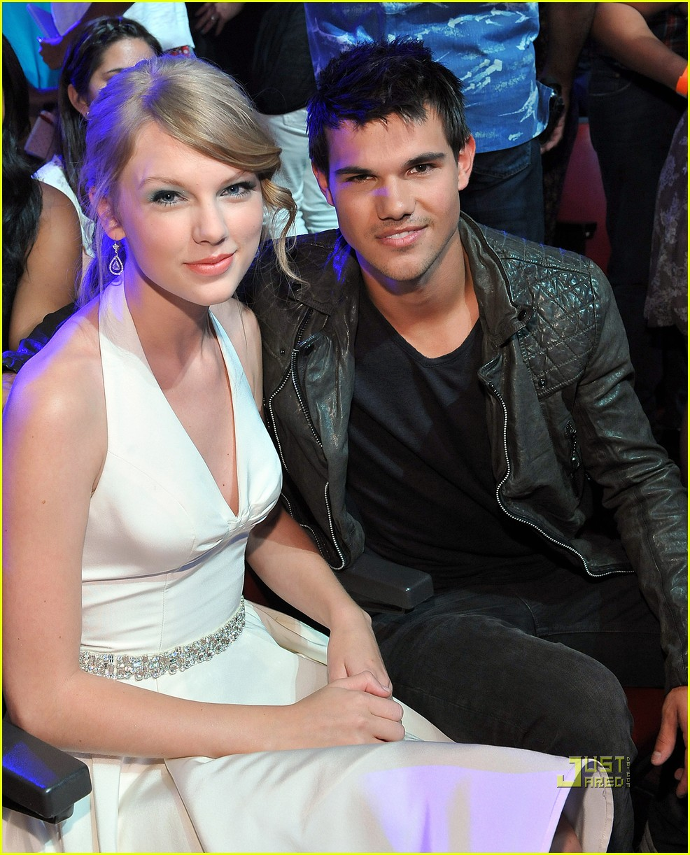 taylor swift taylor lautner teen choice awards 032568138