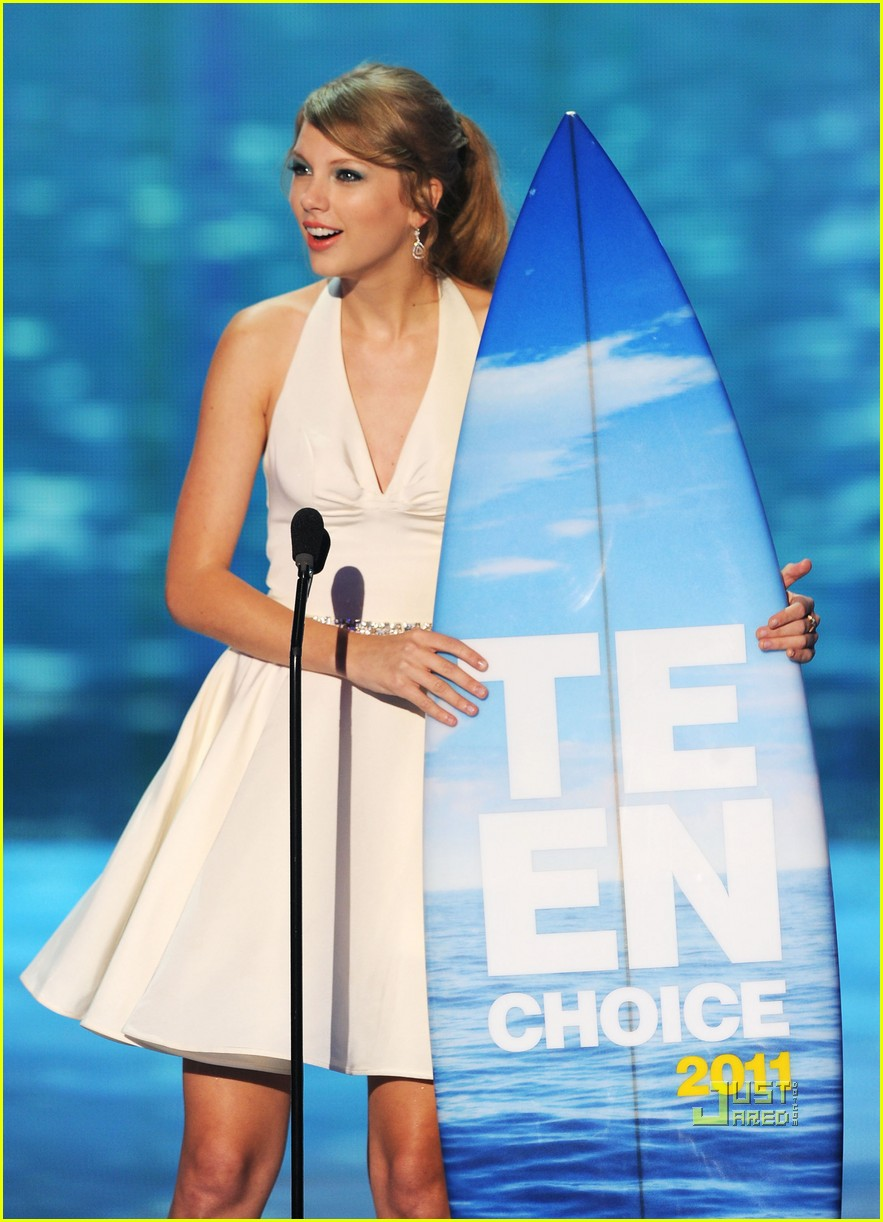 taylor swift taylor lautner teen choice awards 052568140