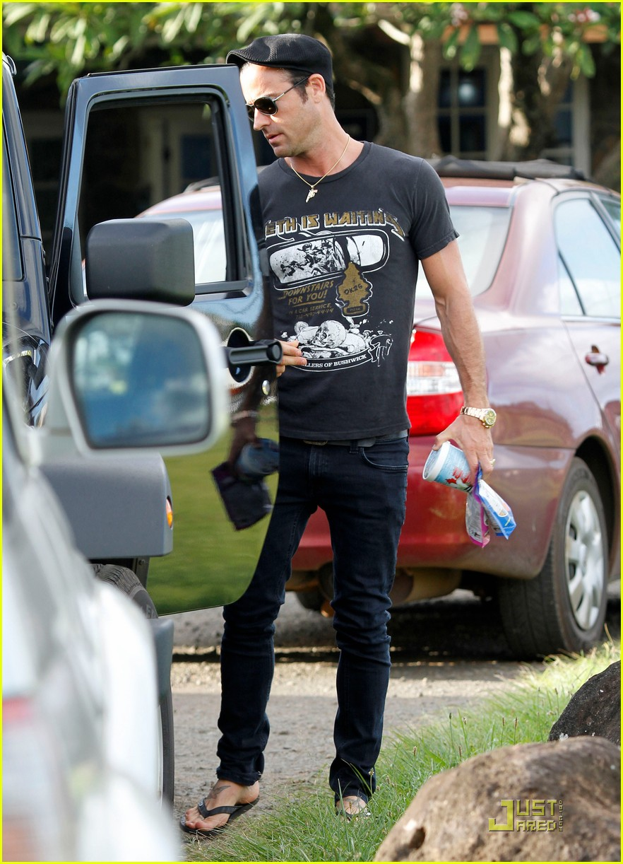 justin theroux happy 40th birthday 012568914