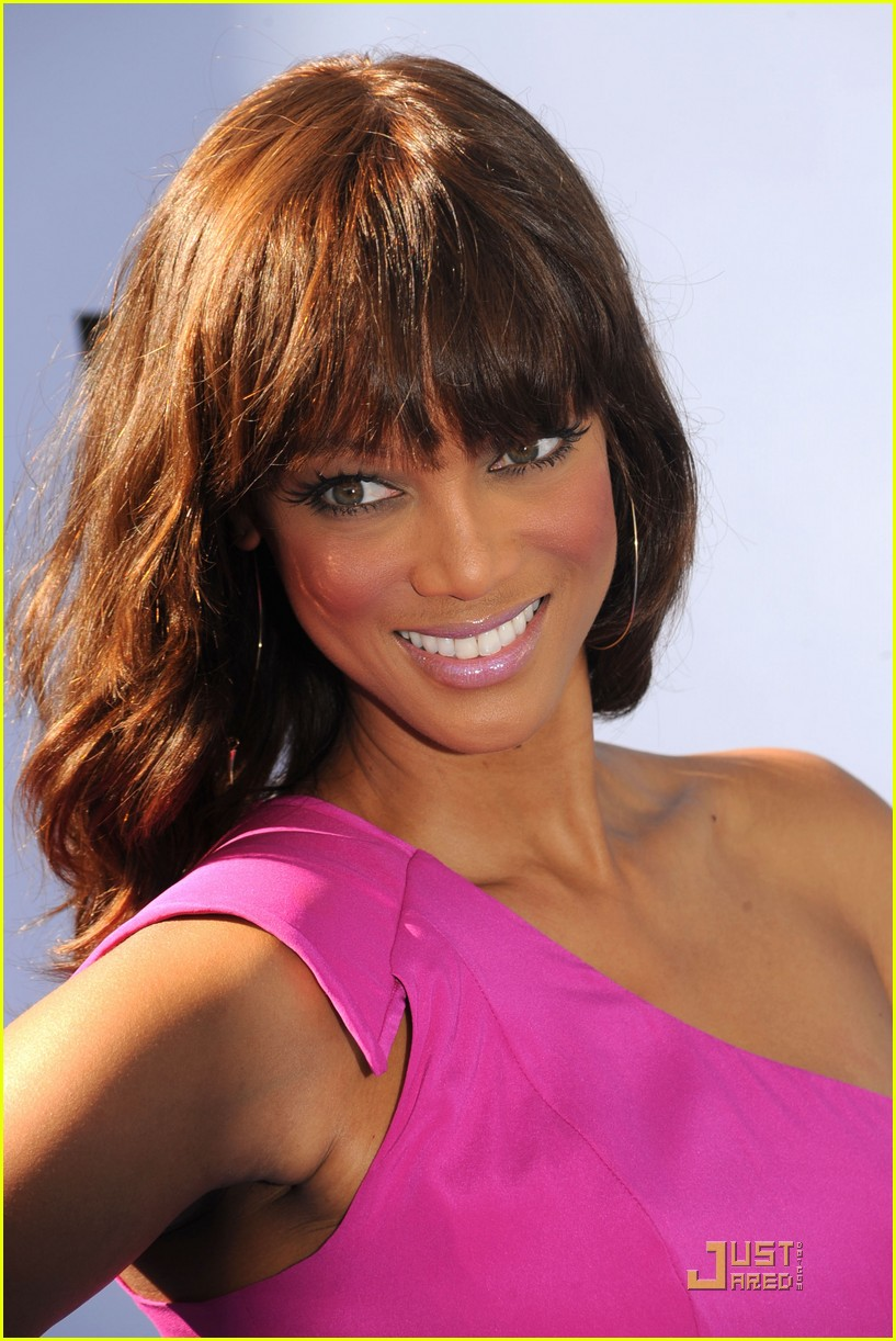 tyra banks do something awards 2011 09