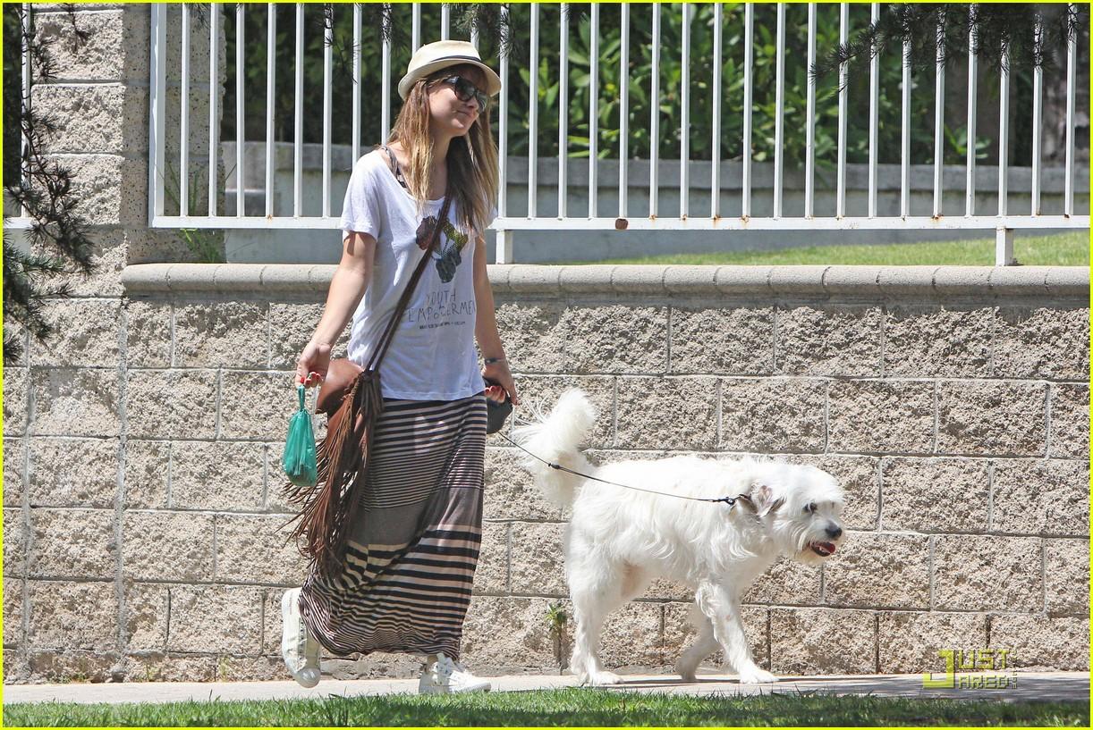 olivia wilde dog day 042569997