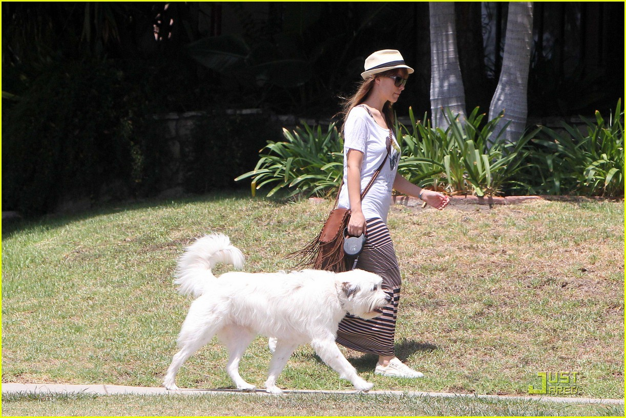 olivia wilde dog day 12