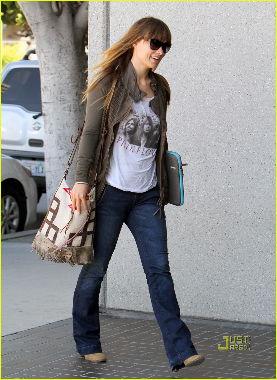 olivia wilde office building 05