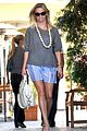 reese witherspoon back in brentwood 06