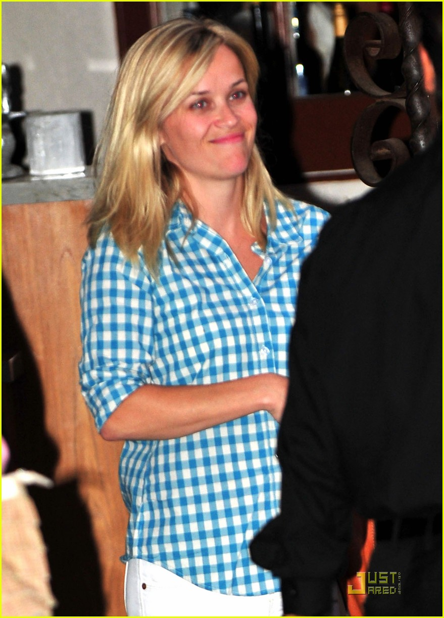 reese witherspoon villetta 042567400