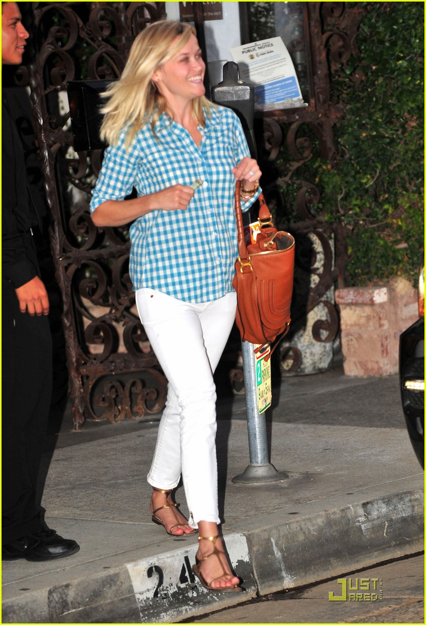 reese witherspoon villetta 052567401
