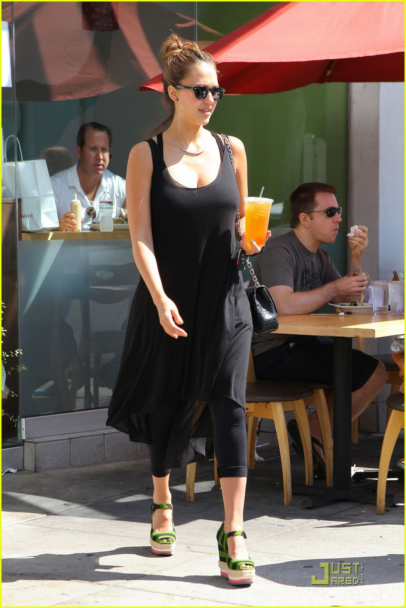 jessica alba tweets mommy workout tips 102576181