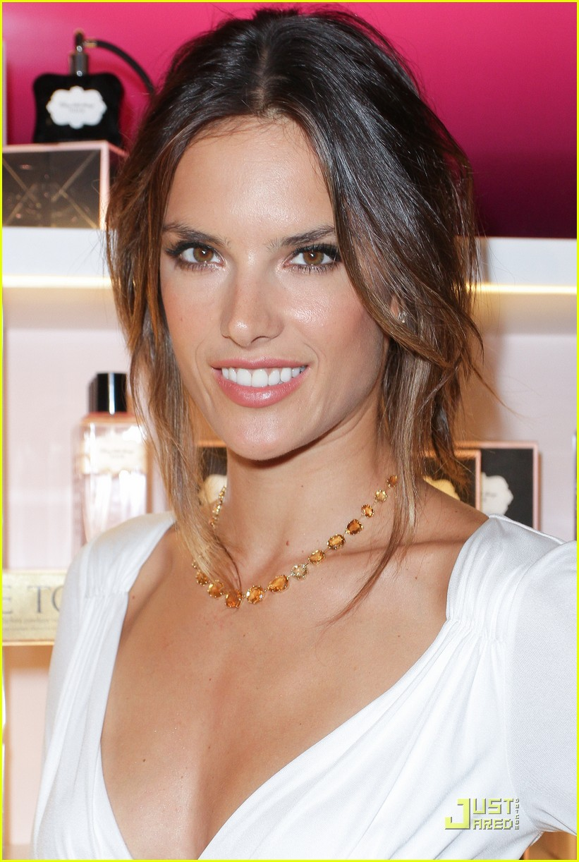 alessandra ambrosio adriana lima fashions night out 022578447