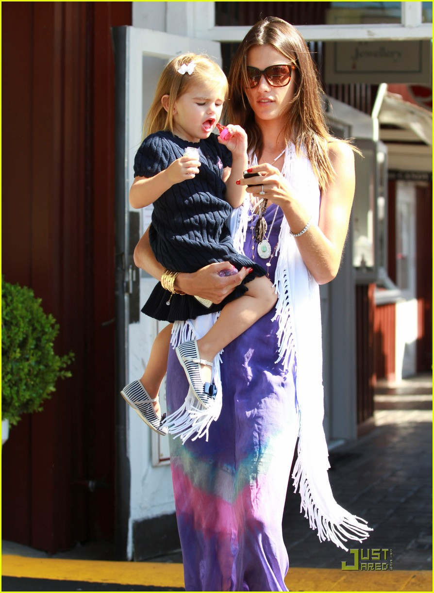 alessandra ambrosio anja brentwood country mart 042575528