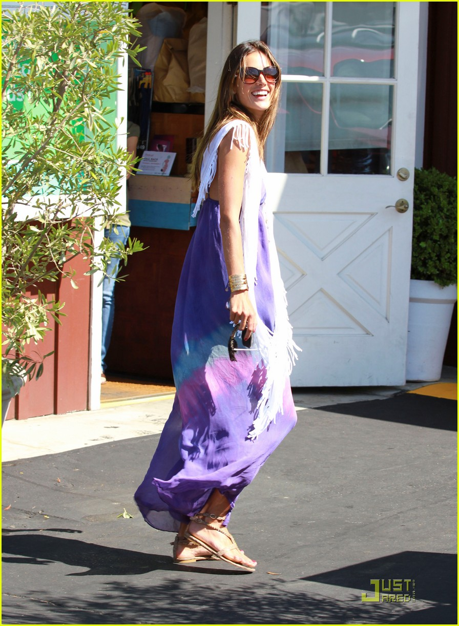 alessandra ambrosio anja brentwood country mart 052575529