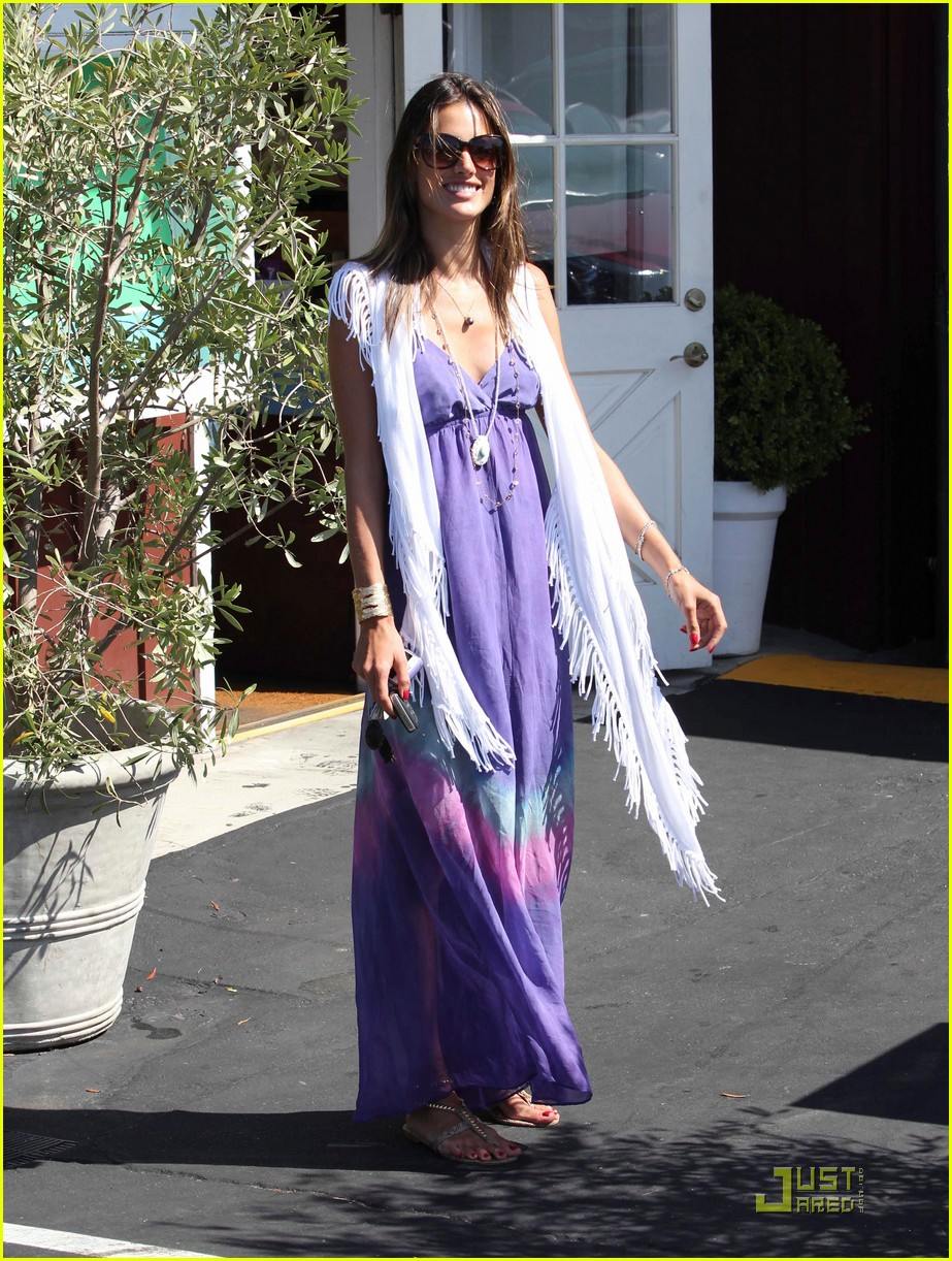 alessandra ambrosio anja brentwood country mart 072575531