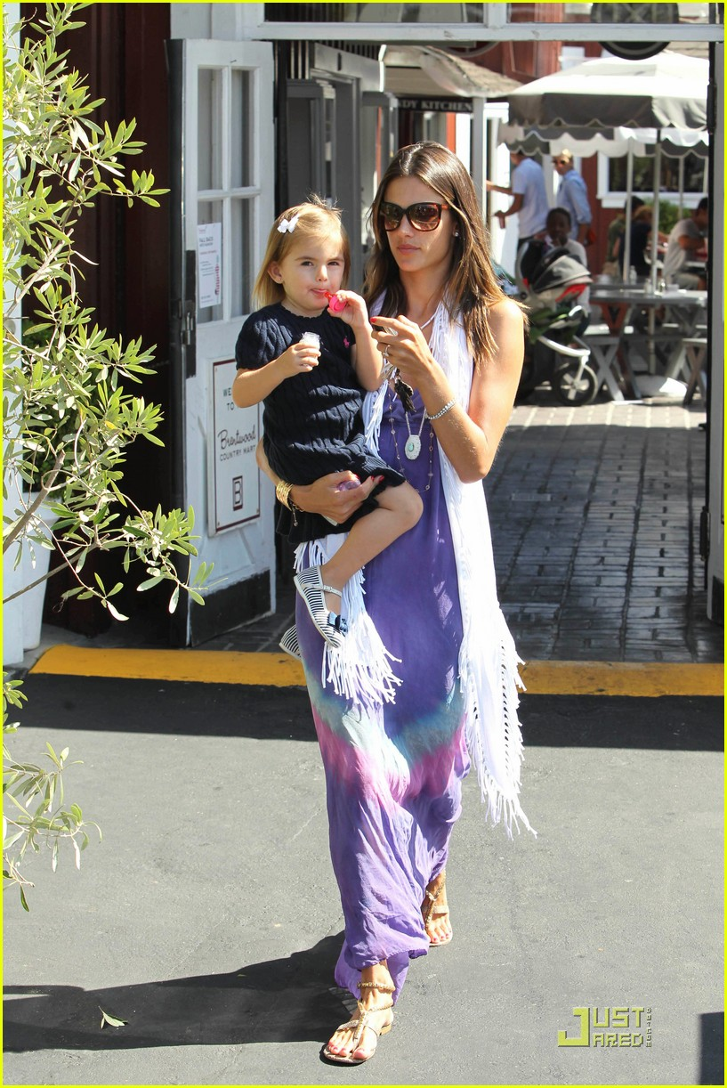 alessandra ambrosio anja brentwood country mart 082575532