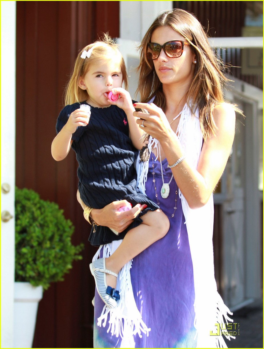 alessandra ambrosio anja brentwood country mart 142575538