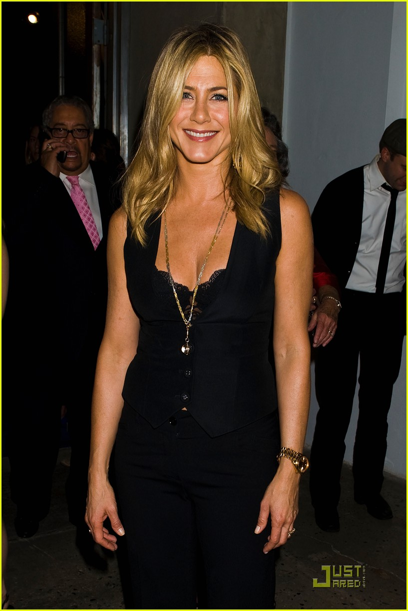 jennifer aniston five screening nyc 002584332