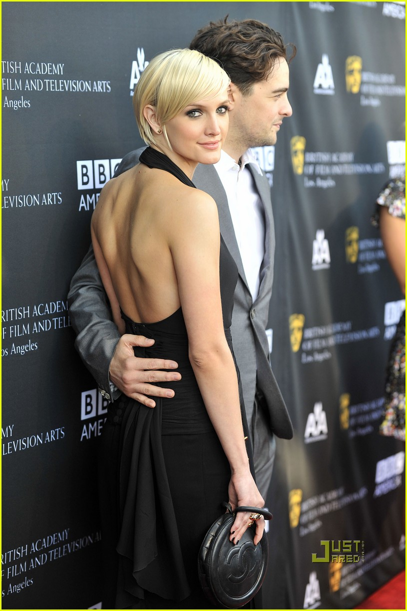 ashlee simpson vincent piazza bafta tea party 10