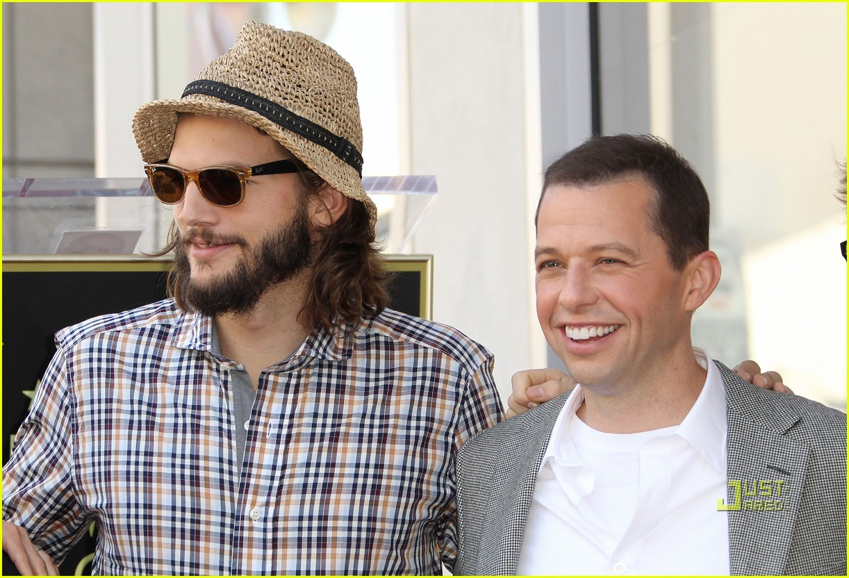 ashton kutcher jon cryer star 092582294