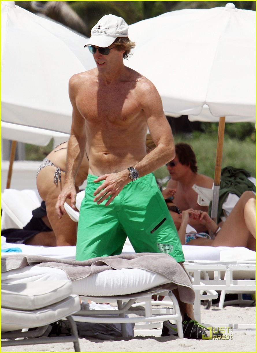 michael bay shirtless miami 01