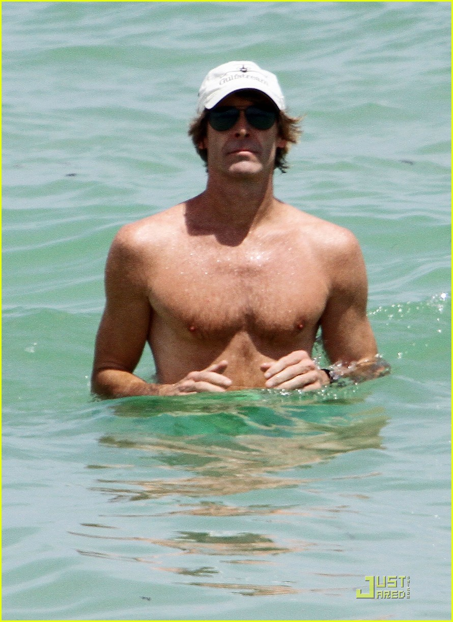 michael bay shirtless miami 02