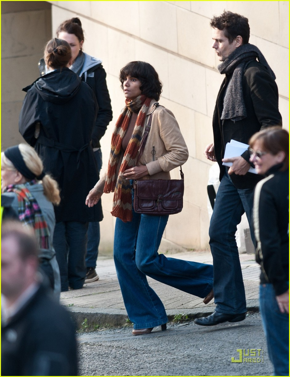 halle berry wigs out cloud atlas 032580486
