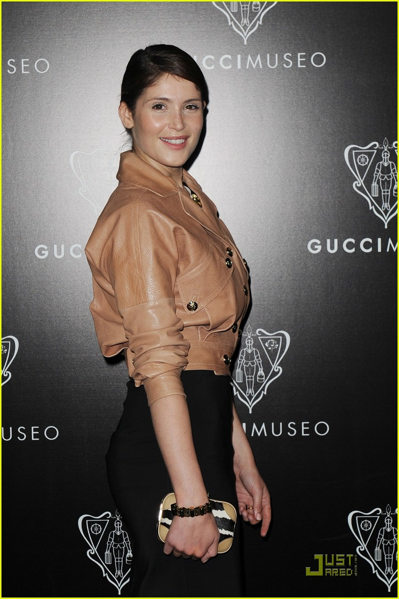 emily browning max irons gucci museo 022584426