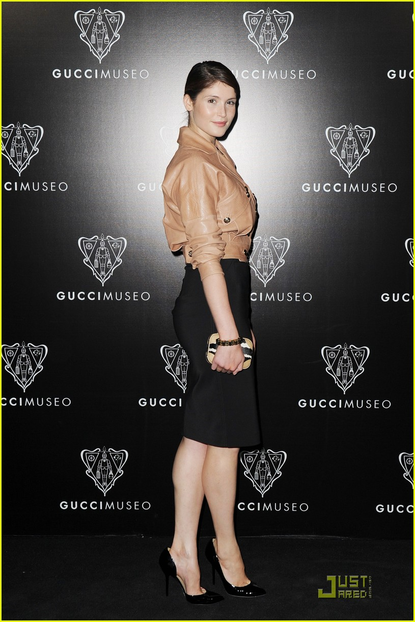 emily browning max irons gucci museo 052584429