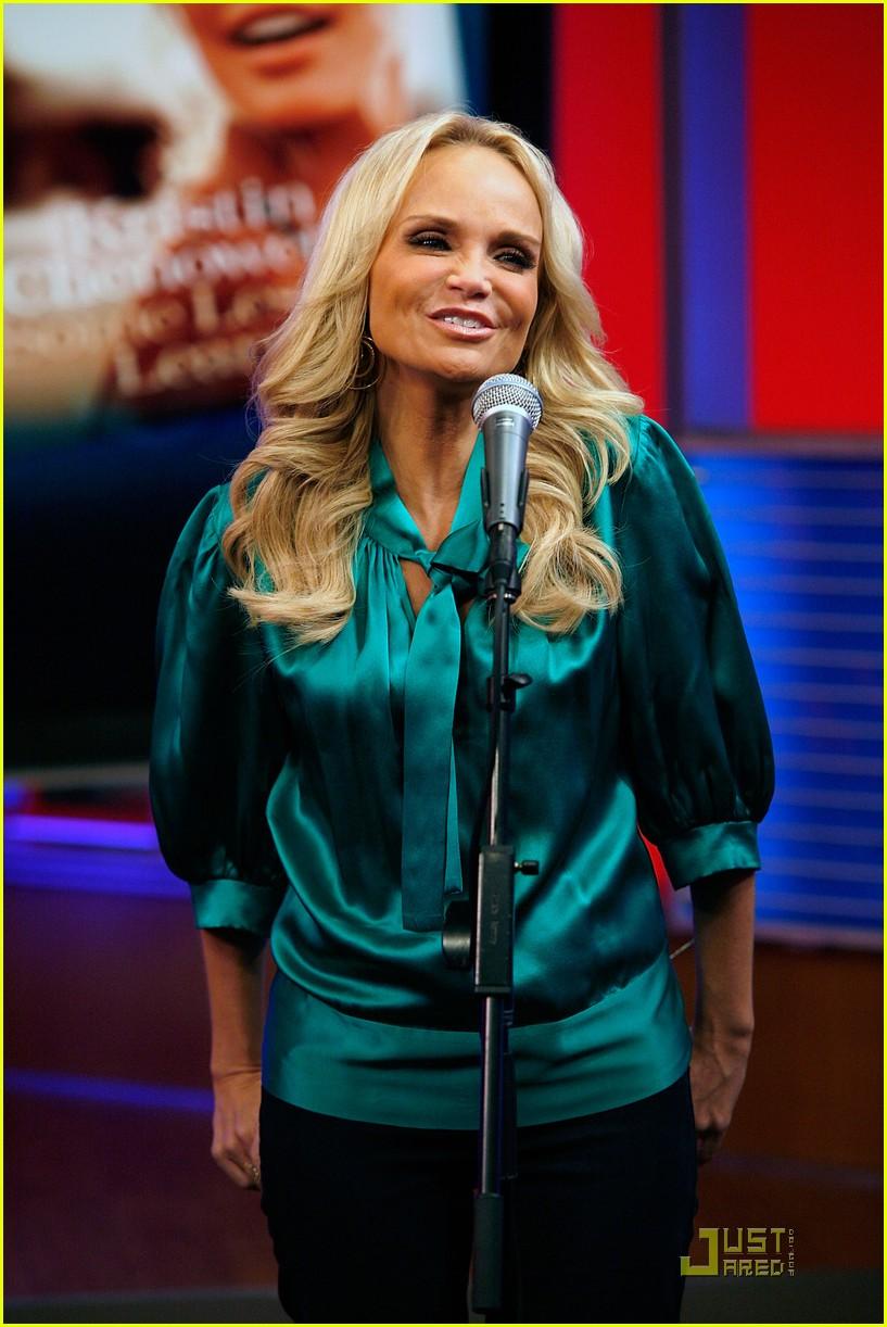 kristin chenoweth returning to broadway 022581068