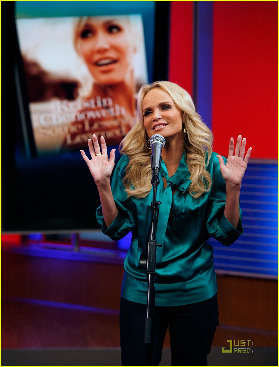 kristin chenoweth returning to broadway 062581072