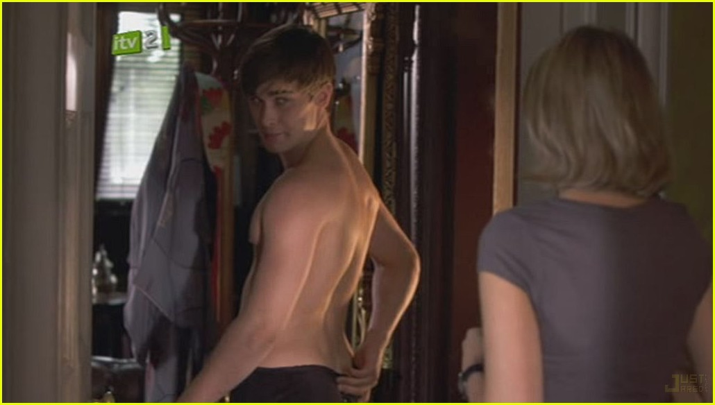 christian cooke shirtless 02