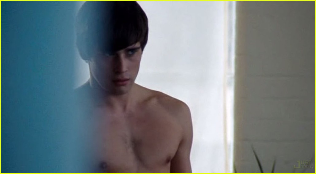 christian cooke shirtless 09