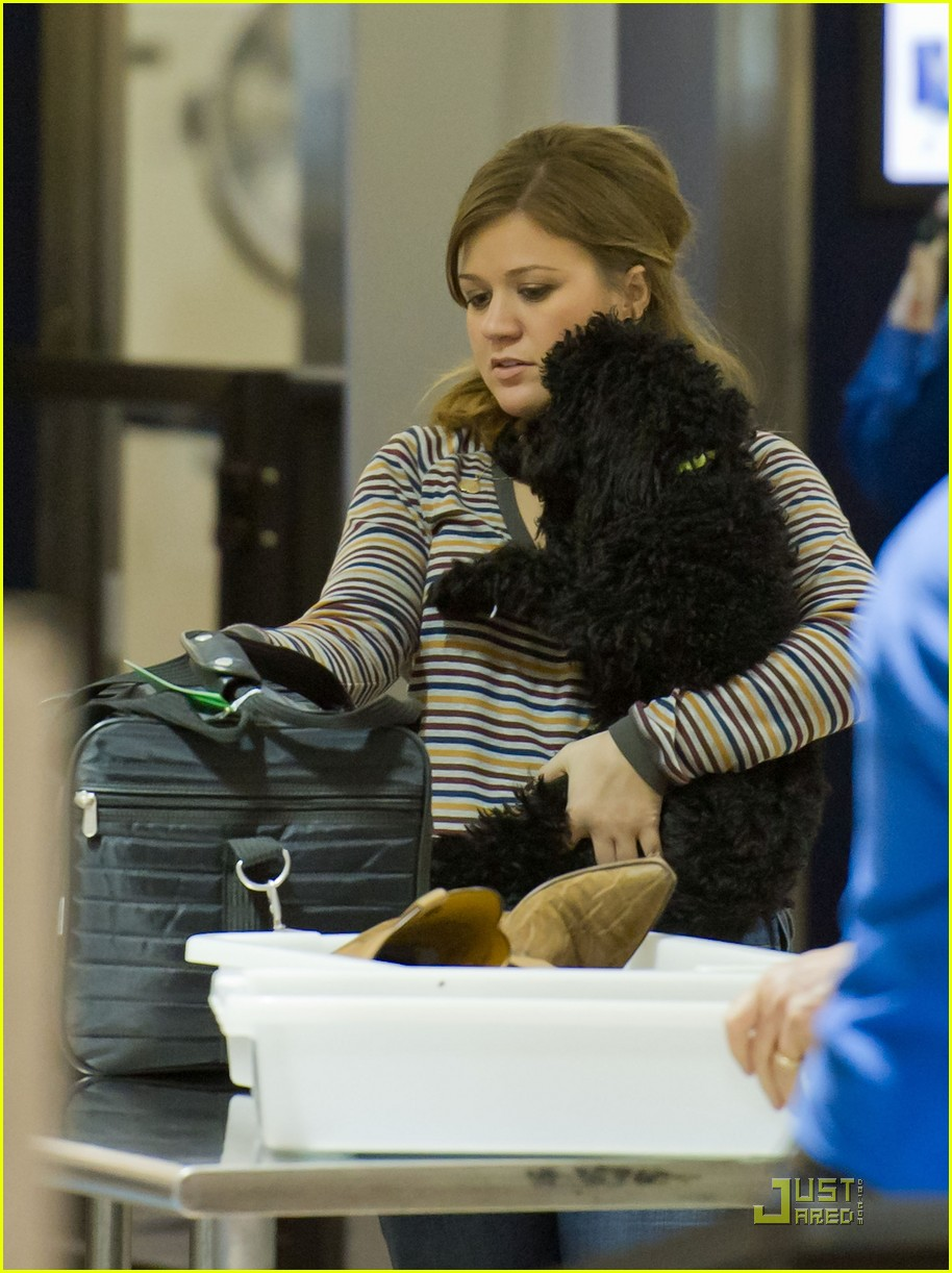 kelly clarkson lax 032583066