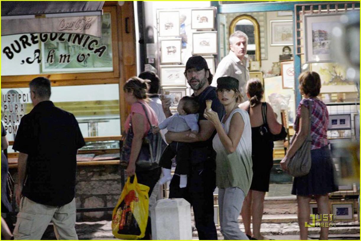 penelope cruz javier bardem leo ice cream 022580836