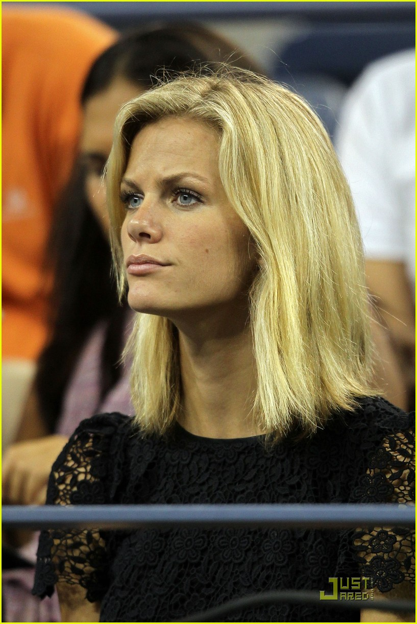 brooklyn decker supports andy roddick at the us open 012575455