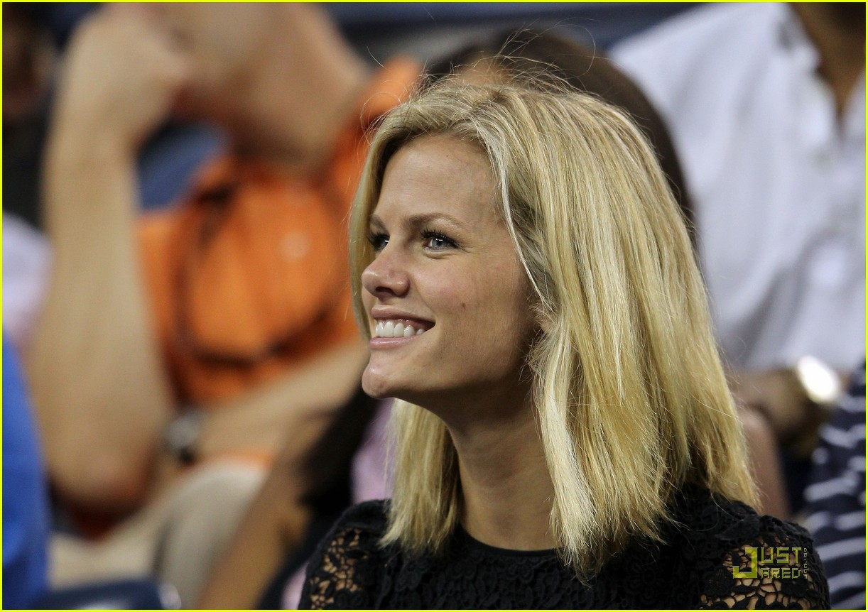 brooklyn decker supports andy roddick at the us open 032575457