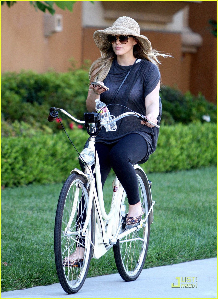 hilary duff spin class day 022575396