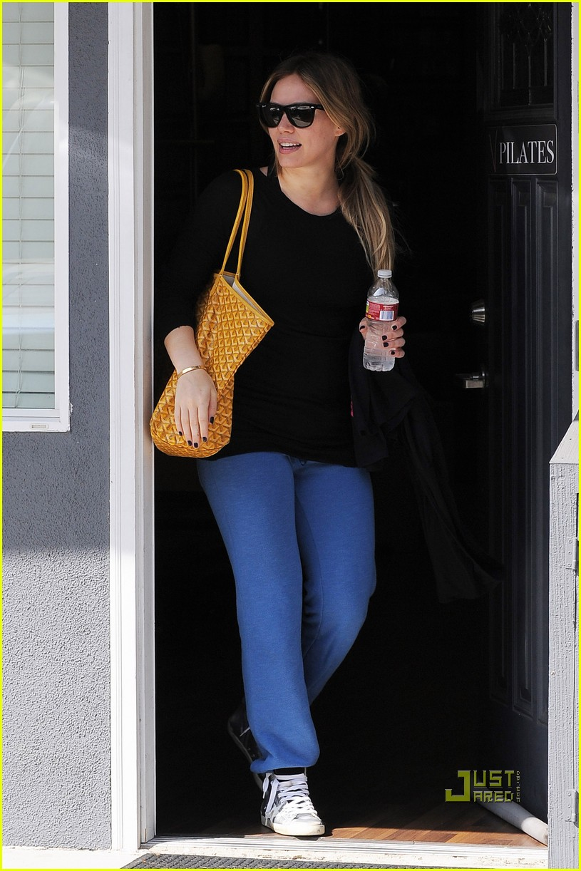 hilary duff workout wrap top 10