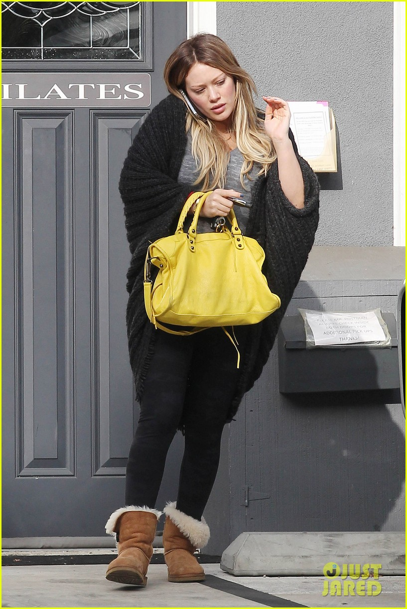 hilary duff yellow purse pilates 032585217