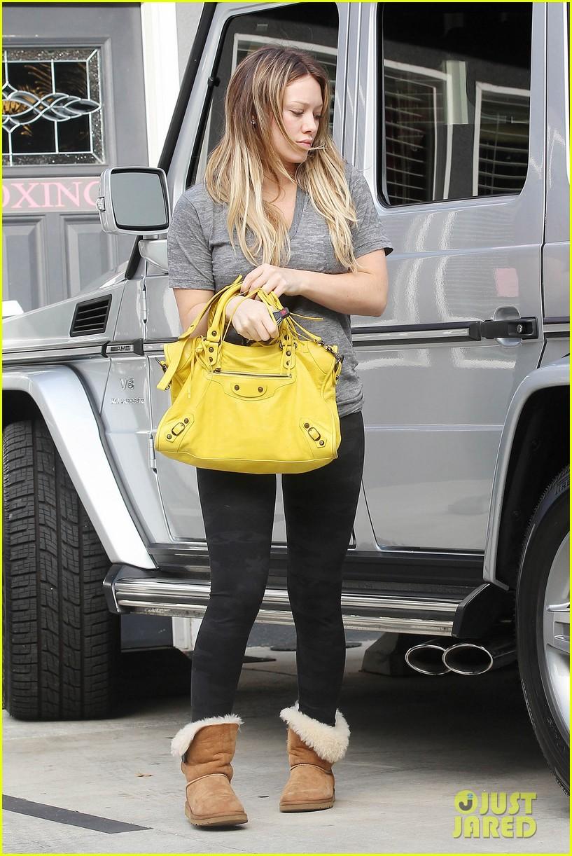 hilary duff yellow purse pilates 062585220