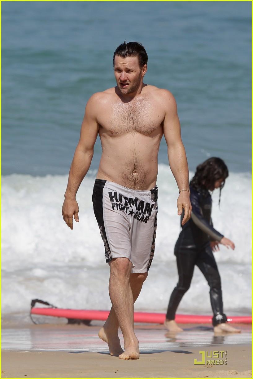 Joel Edgerton: Shirtless At Bondi Beach!: Photo 2581210 ...