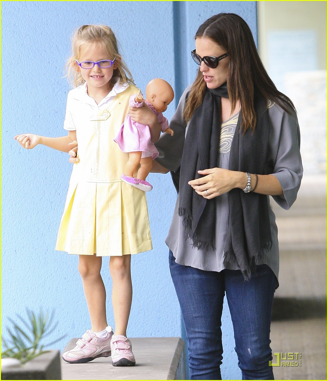jennifer garner violet jumps 022582183