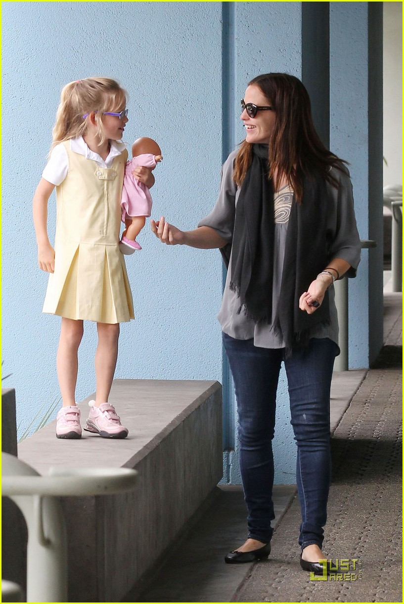 jennifer garner violet jumps 062582187
