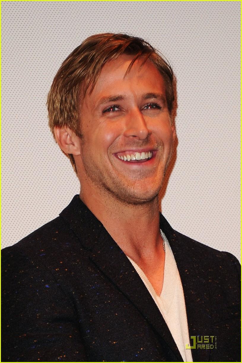 ryan gosling drive premiere in toronto 06