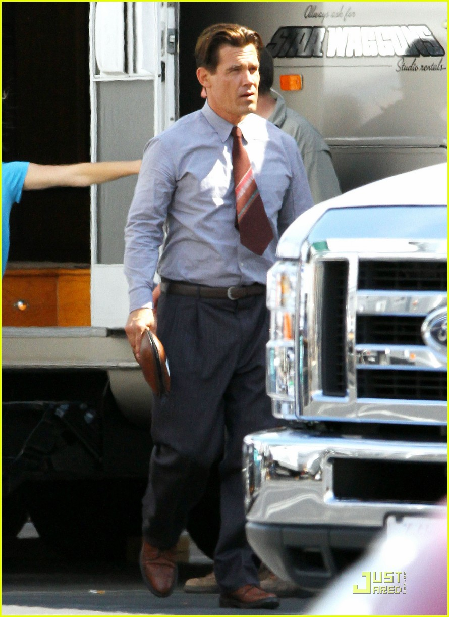 ryan gosling gangster set 04