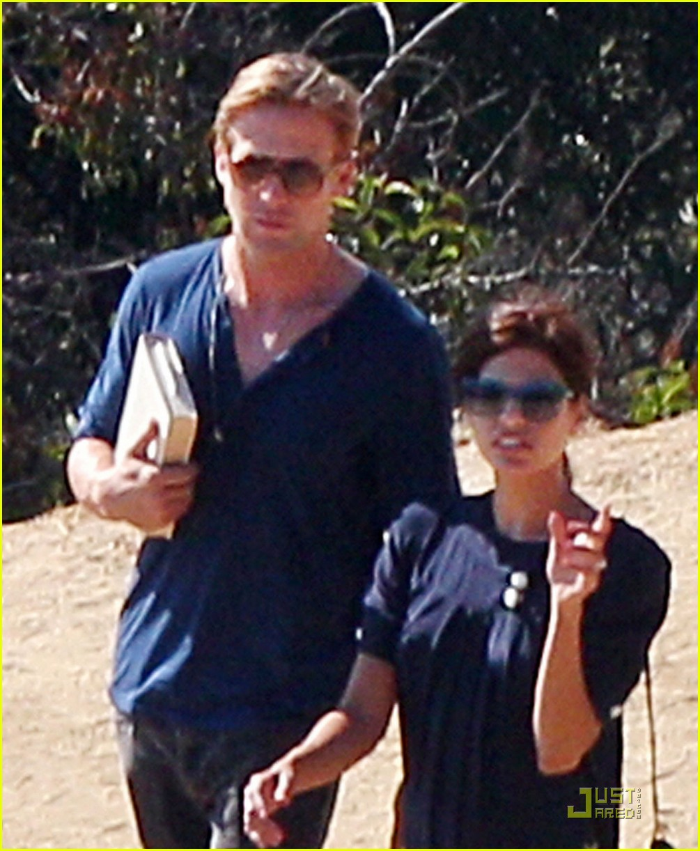ryan gosling eva mendes griffith observatory 012582596