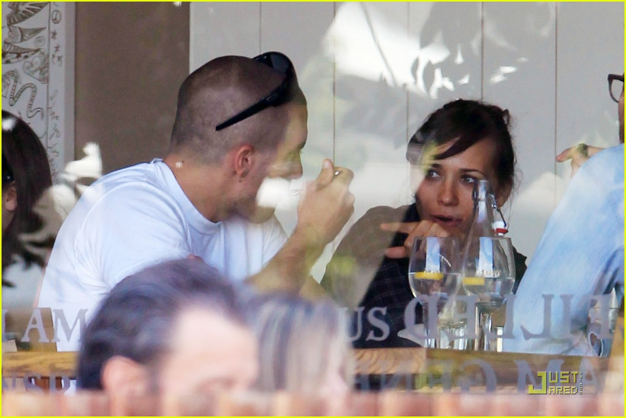 jake gyllenhaal rashida jones lunch 04
