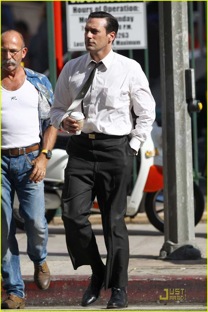 jon hamm don draper drinks starbucks 162583751