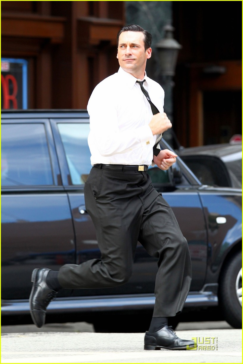 jon hamm don draper drinks starbucks 232583758