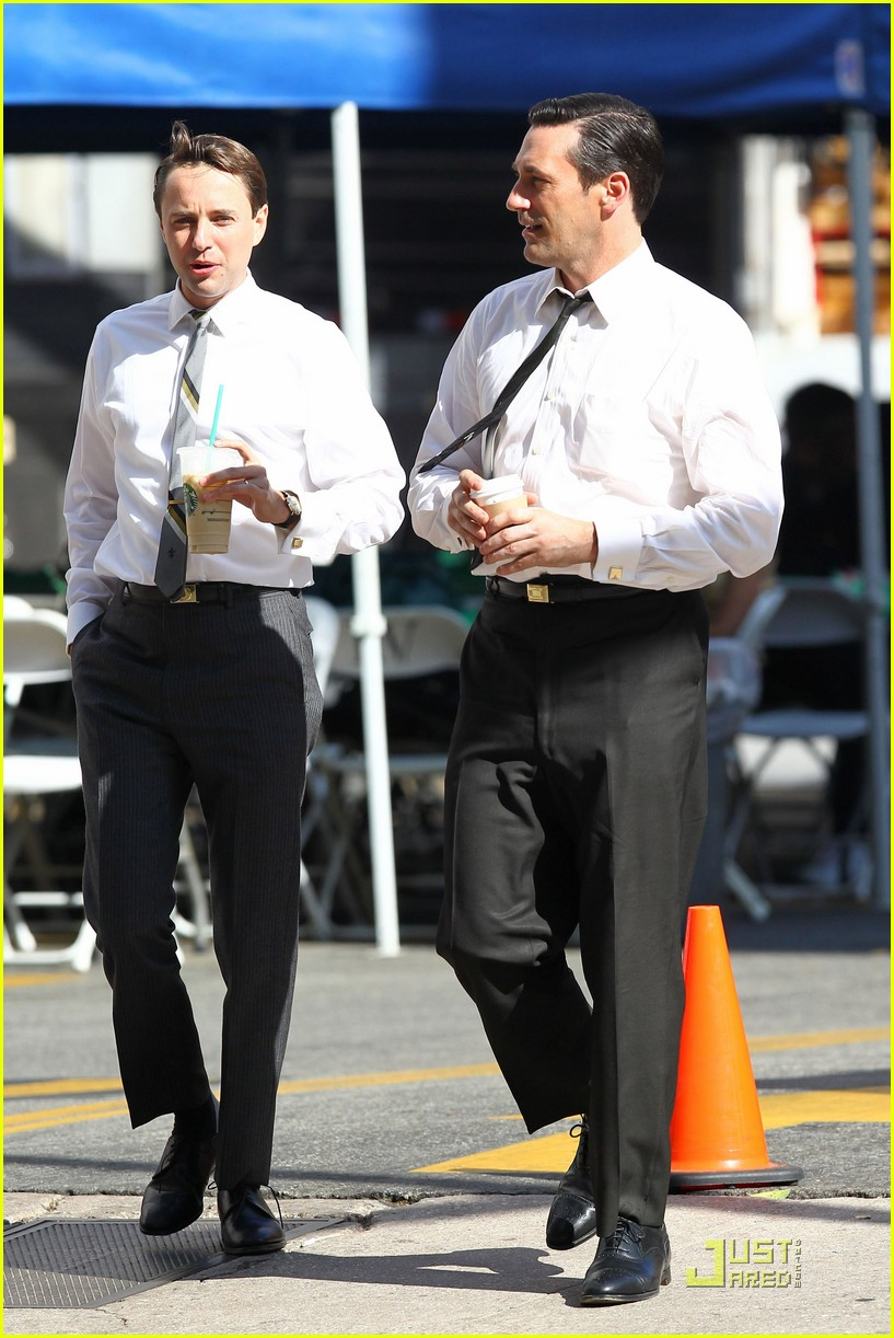 jon hamm don draper drinks starbucks 272583762