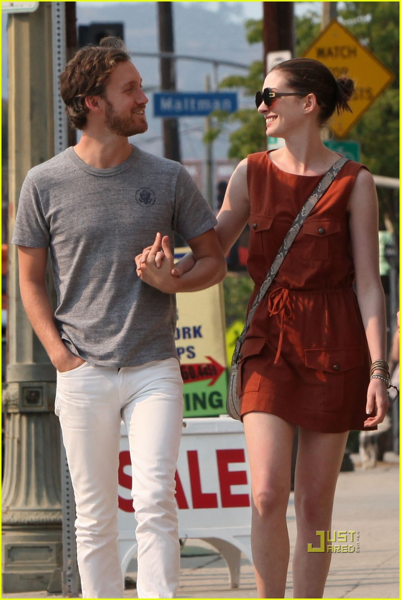 anne hathaway adam shulman millies coffee shop 21