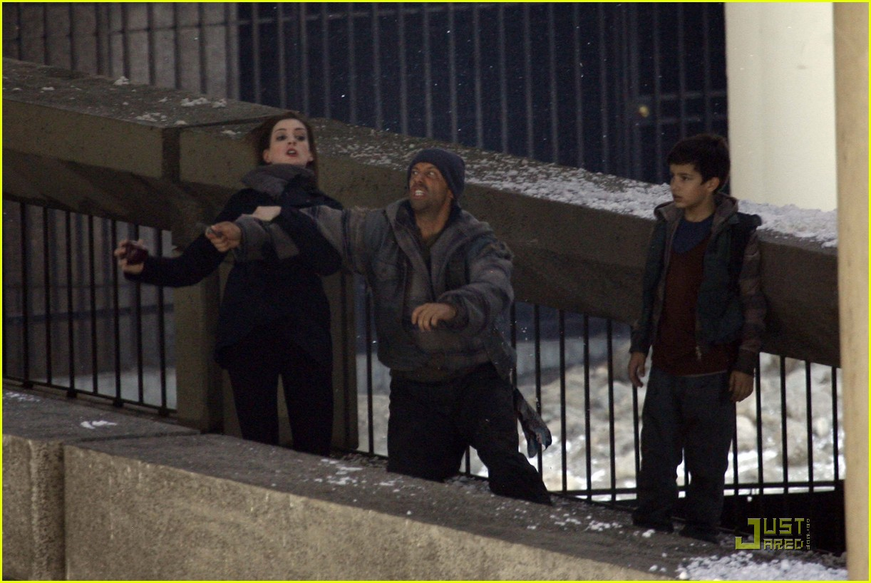 anne hathaway dark knight stunt 03
