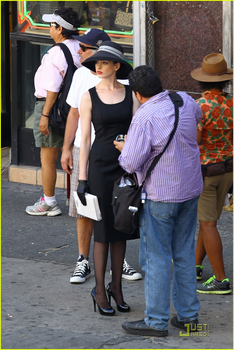 anne hathaway new face tods 112577576
